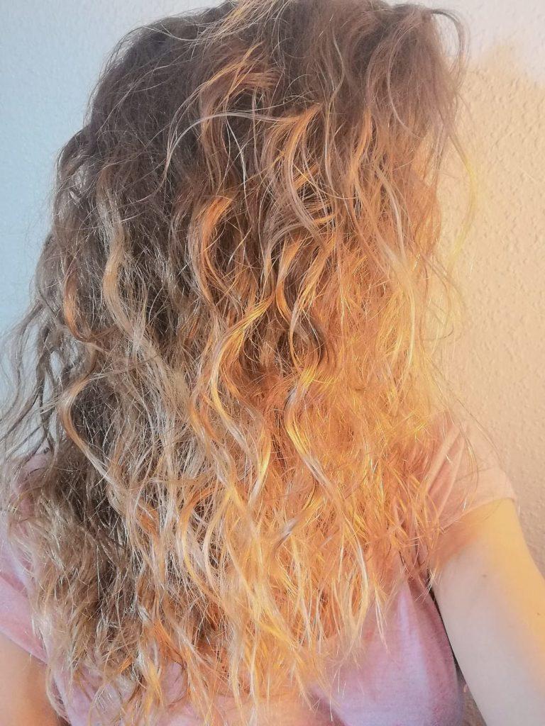 cheveux avec soin huile de jojoba